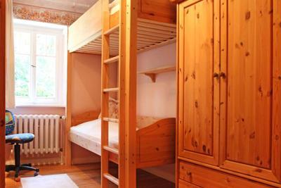 Schlafzimmer der Ferienwohnung 08 im Haus Hubertus