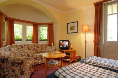 Schlafzimmer der Ferienwohnung 01 im Haus Hubertus