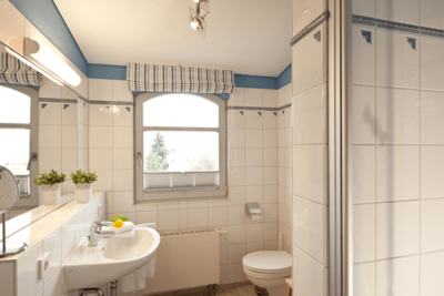 Badezimmer der Ferienwohnung 01 in der Villa Seegarten
